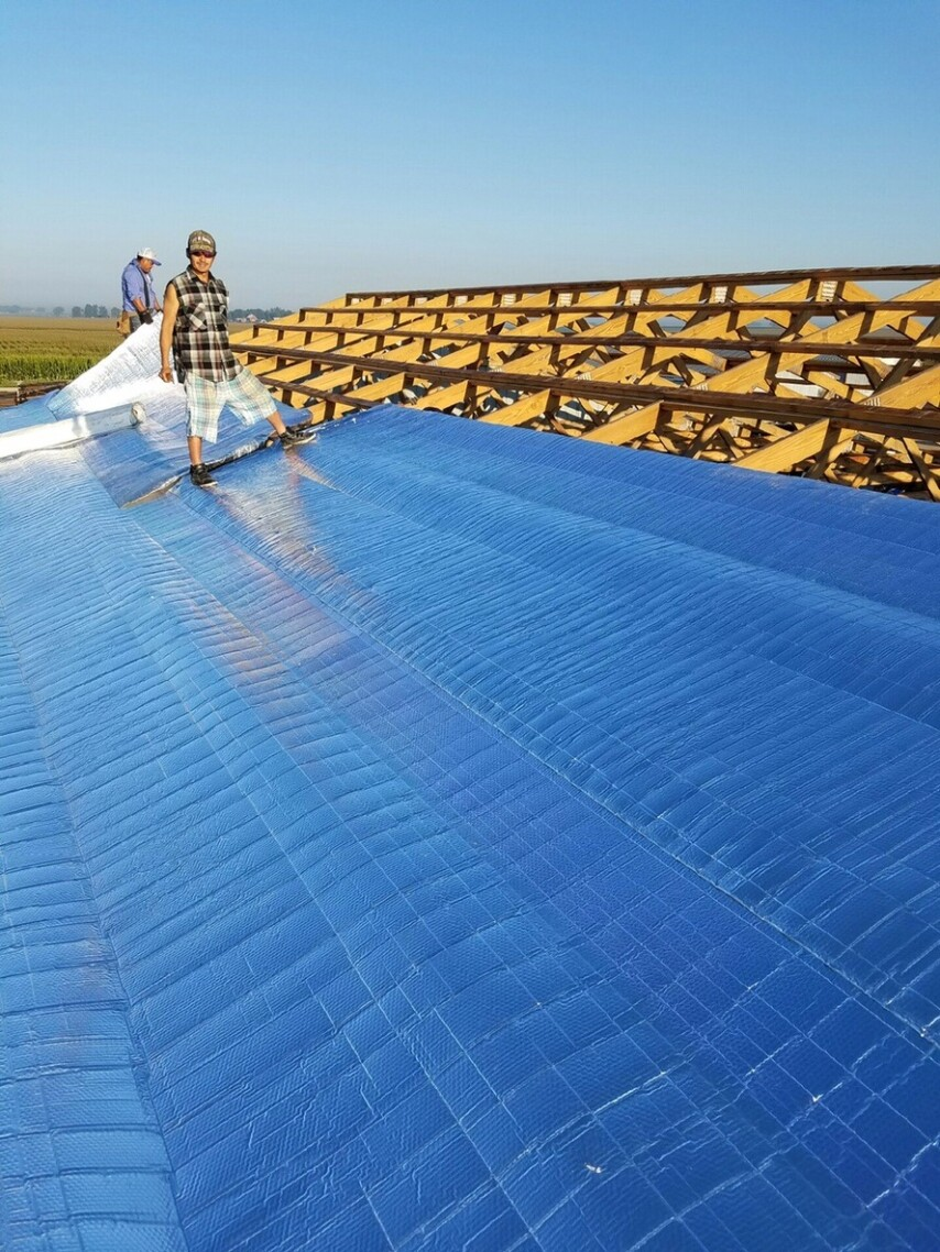 Farmer's Problem Solver: Energy-Saving Super R® Plus AG Barrier® Insulation Reduces Livestock Heat Stress and Husbandry Costs